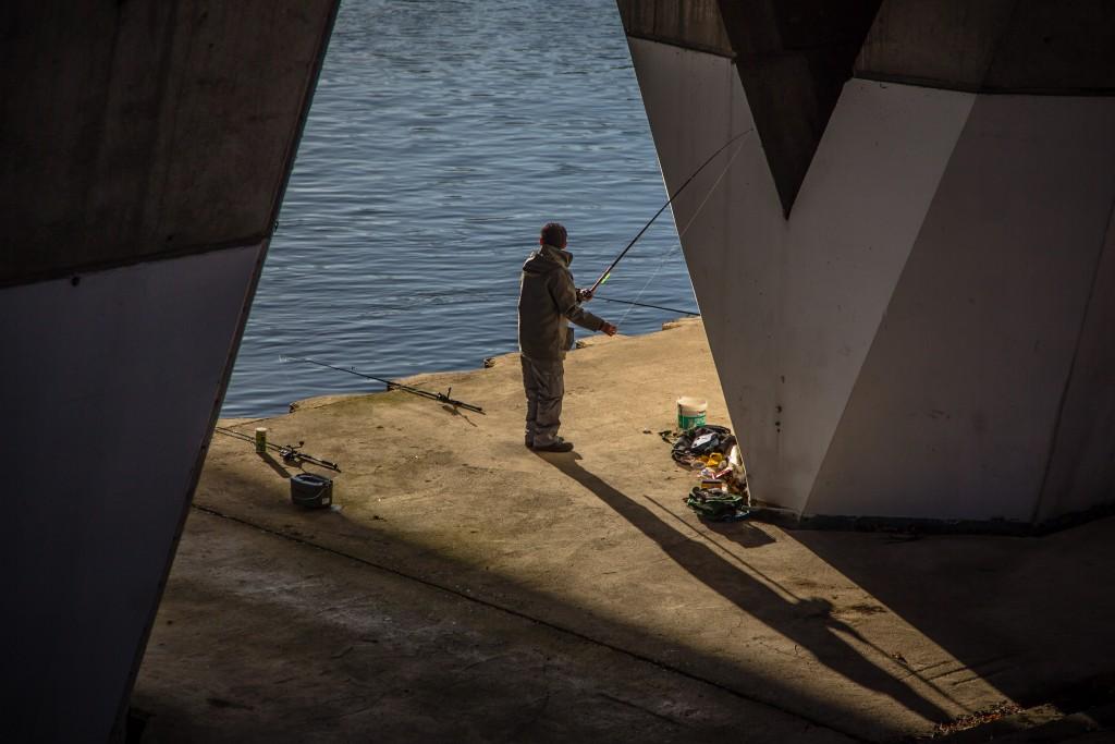 Photo de pécheur sur les quai de Seine à Puteaux