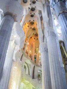 Barcelone : Sagrada Familia allée