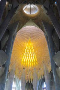 Barcelone : Sagrada Familia puit de lumière #1